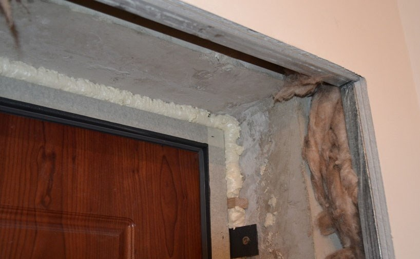 Как сделать откосы на дверь в квартире