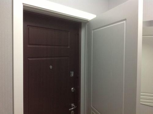 установка двух дверей входных