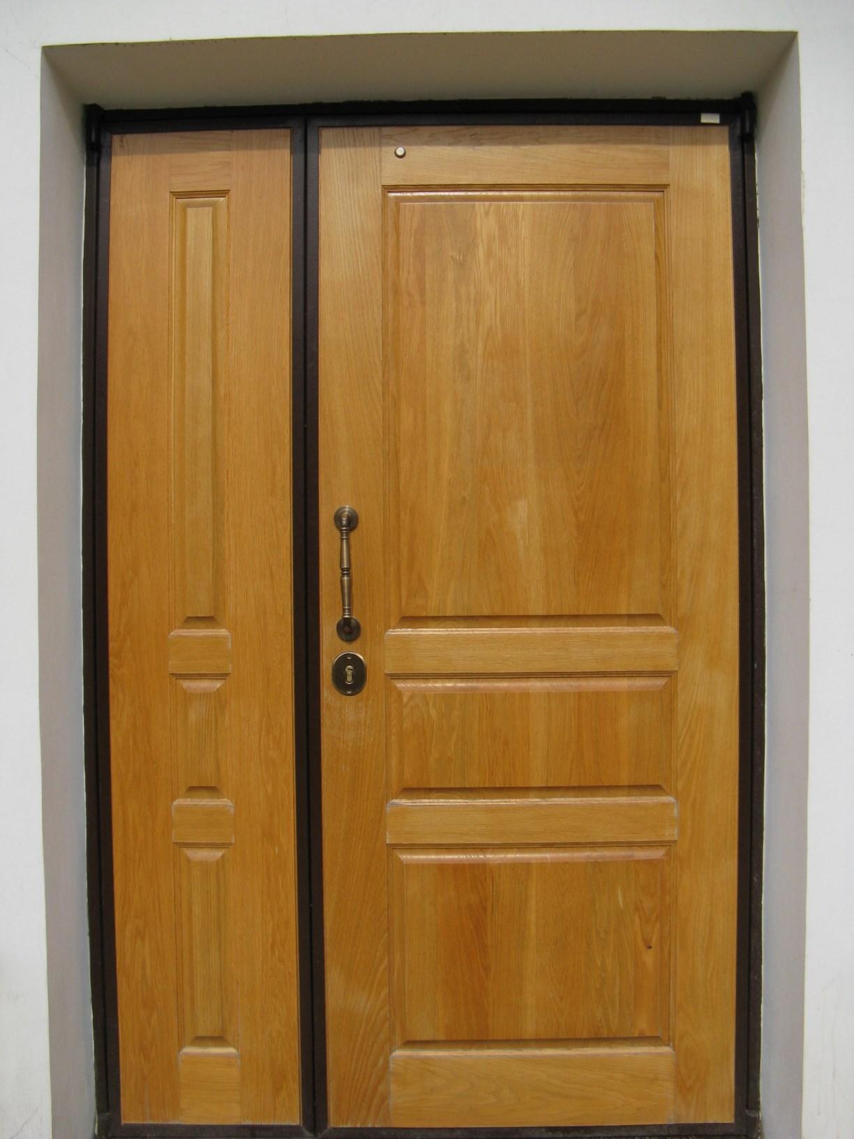 двухстворчатые металлические двери с фрамугой купить