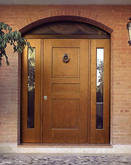 ширина входной двери в коттедж