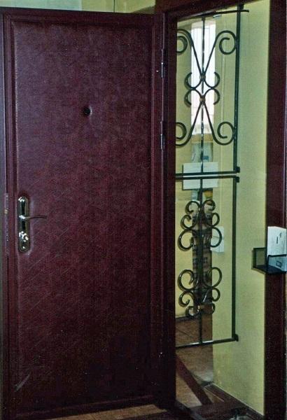 металлические двери в дермантине