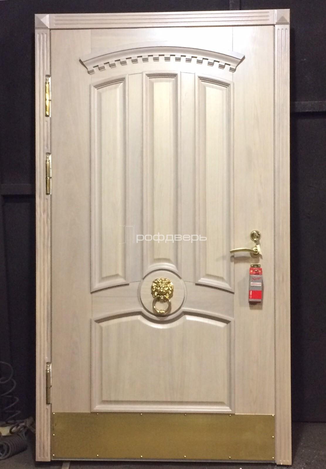 парадные входные двери массив