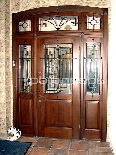 узкая недорогая входная уличная дверь