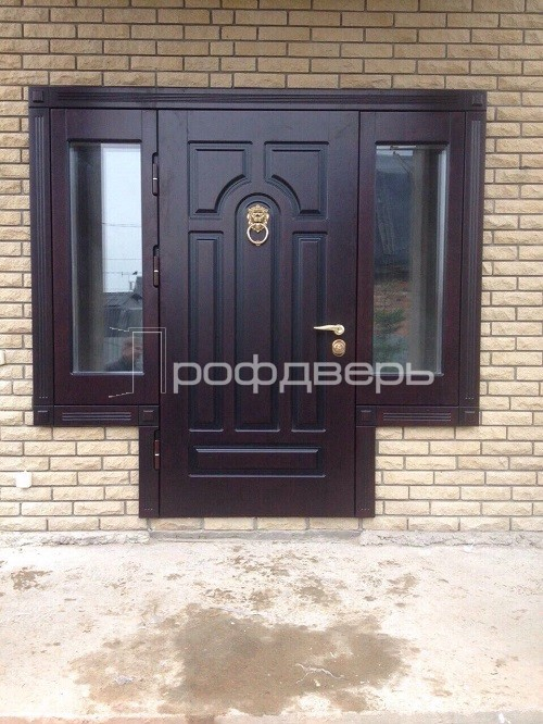входная дверь с боковыми стеклопакетами