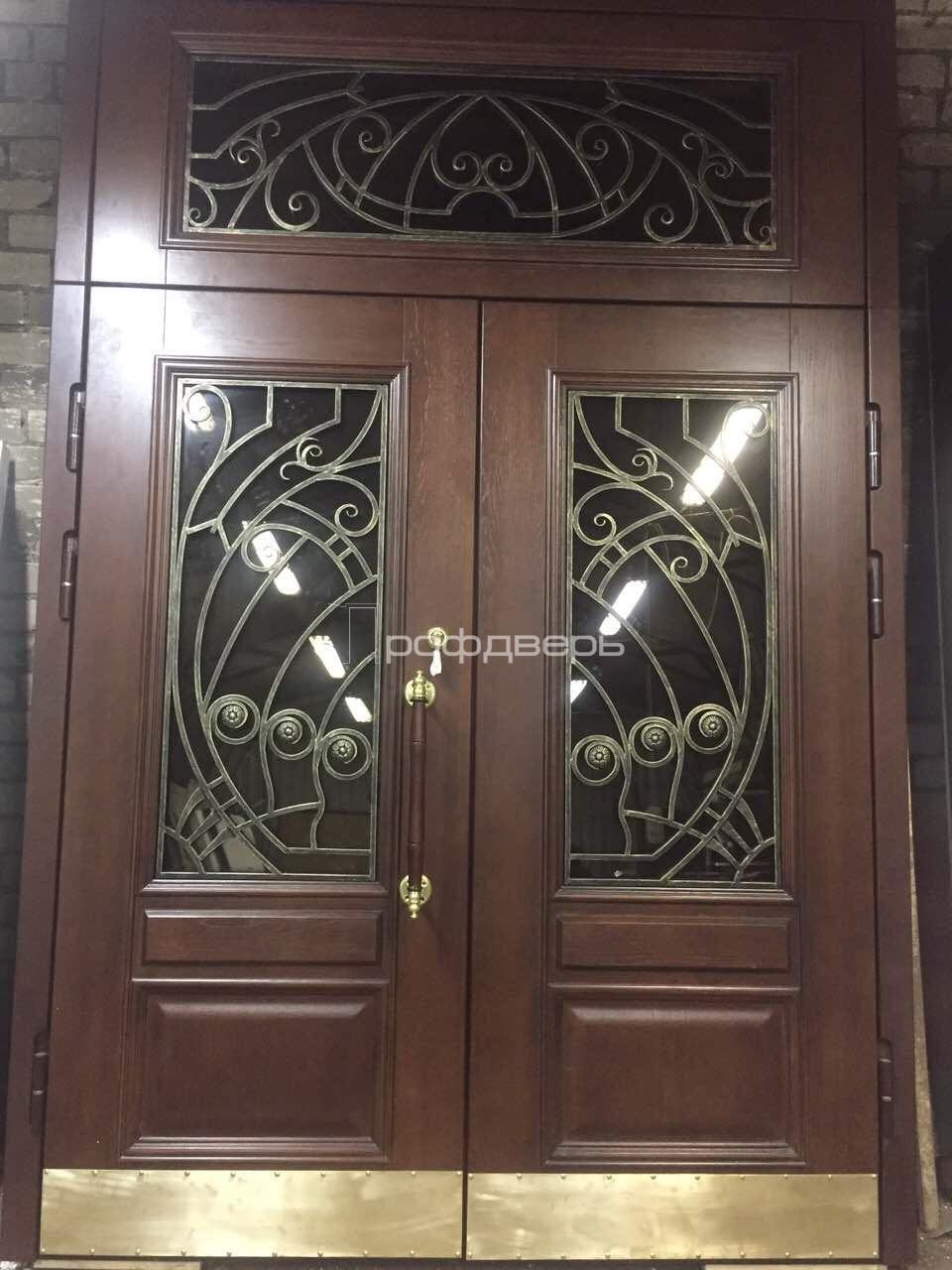 парадные входные двери для отелей со стеклом